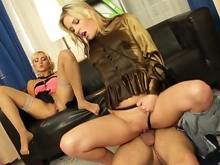 Blond, Blowjob, Bekleideter Sex, Cowgirl, Fetisch, Ffm, Glanz, Hardcore, High Heels, Hengst,