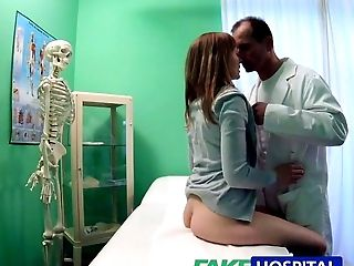 Amateur, Blowjob, In Klinik, Creampie, Niedlich, Doctor, Hardcore, Hd, Versteckte Kamera, Hospital,